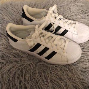 Adidas superstar kids shoes like new!